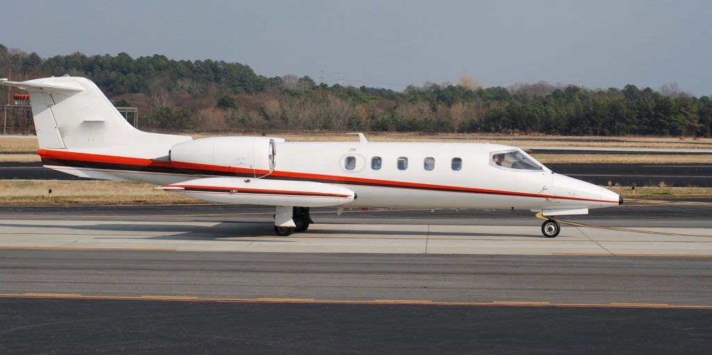 Learjet 35a taxiing  1