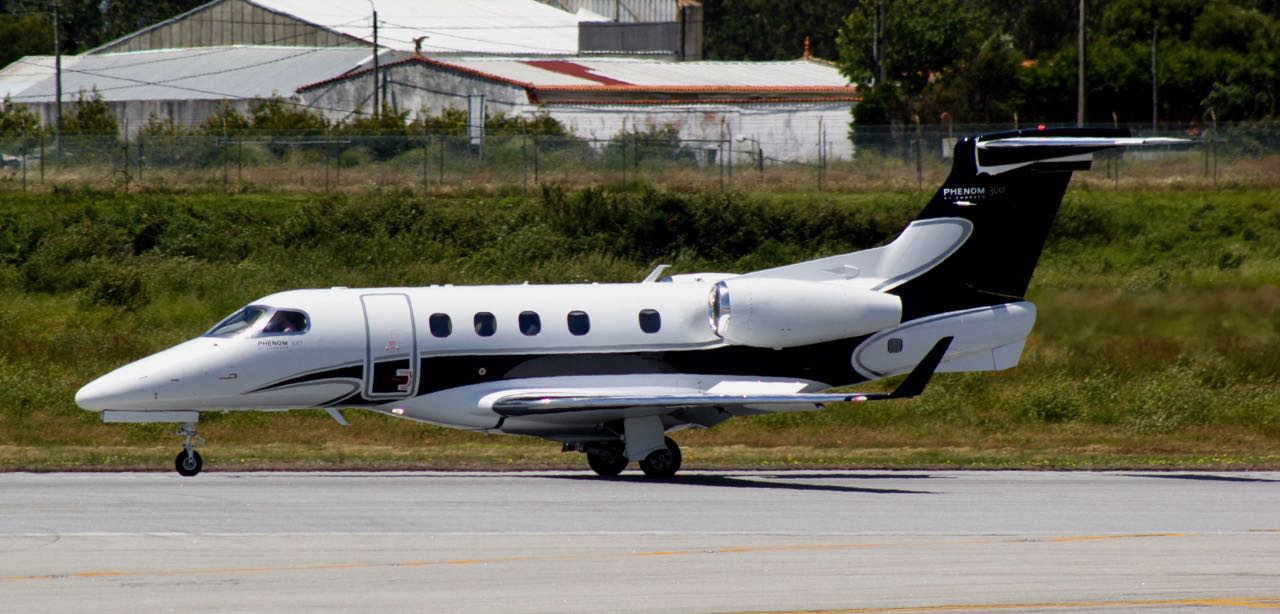 Embraer phenom 300 everjets cs dtq 01