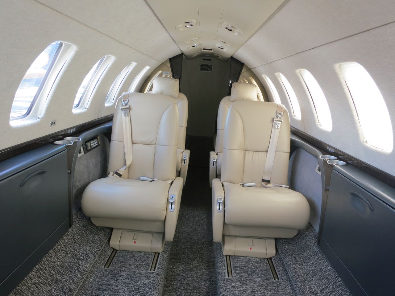 Cessna citation cj3 cabin
