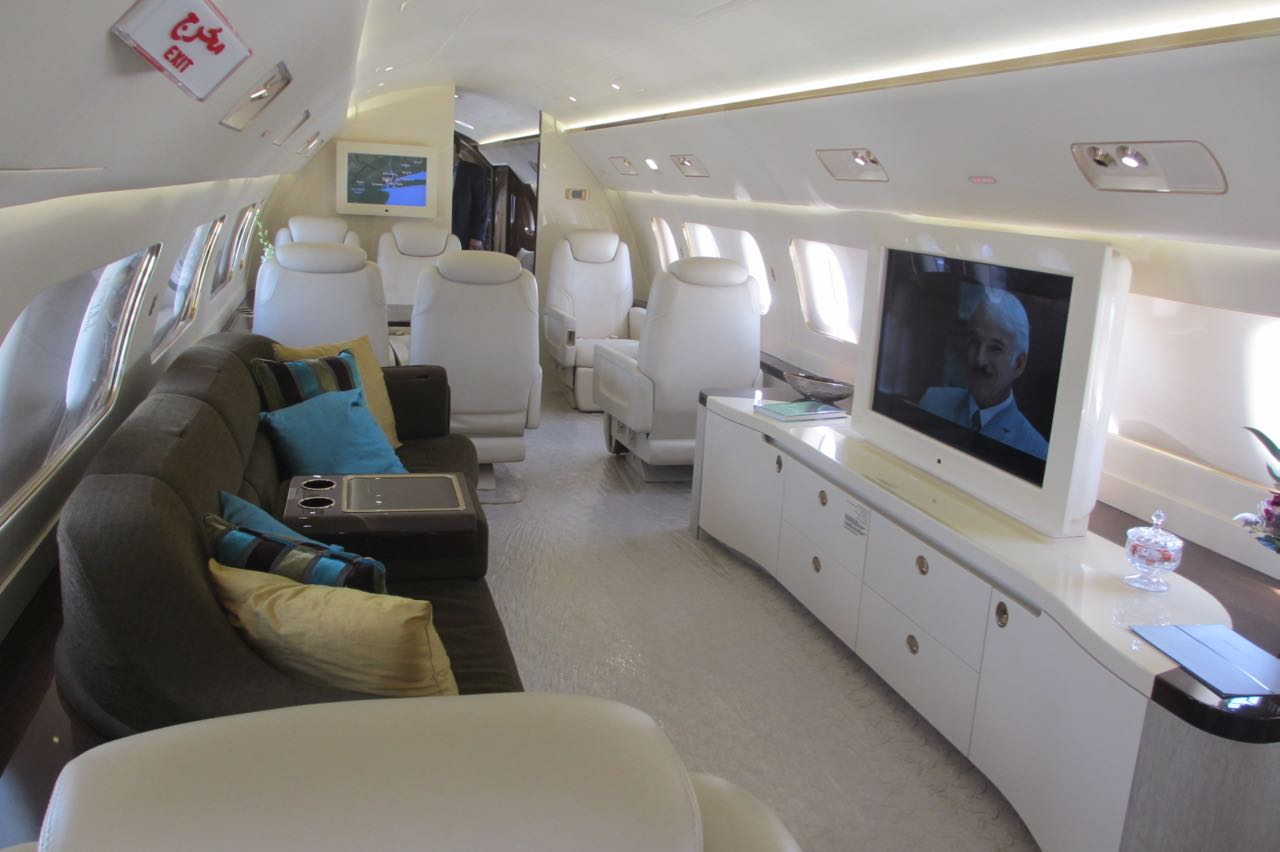 Embraer lineage 1000 interior living room