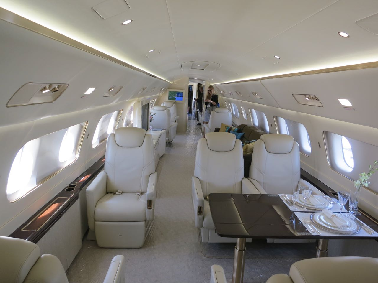 Embraer lineage 1000 interior of middle cabin