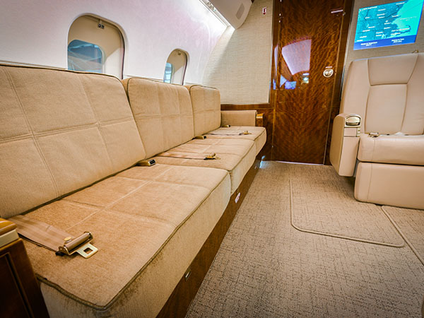 Bed based charter jet global 5000 0004 divan