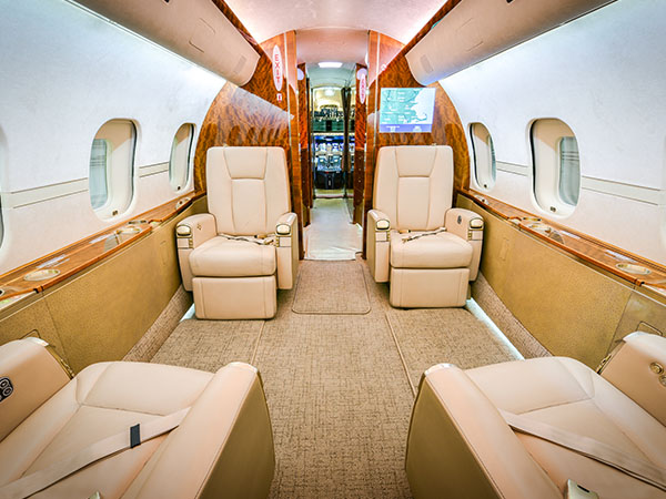 Bed based charter jet global 5000 0006 club