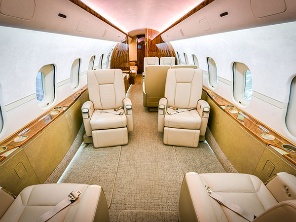 Bed based charter jet global 5000 0007 fwd aft