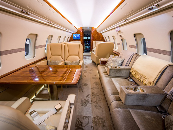 Bed based challenger 605 charter jet 0003 edited aft fwd
